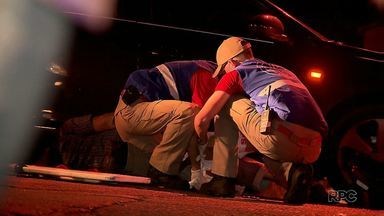 Motociclista fica ferido em acidente na avenida General Meira - A batida foi na noite desta quinta-feira.