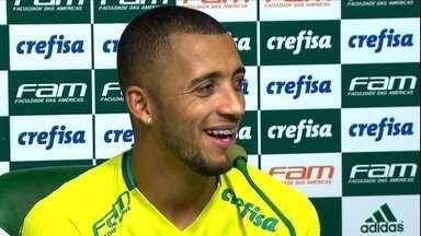 Vitor Hugo, do Palmeiras, vive a expectativa pela conquista do primeiro título brasileiro - Vitor Hugo, do Palmeiras, vive a expectativa pela conquista do primeiro título brasileiro