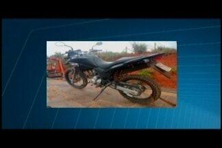 Polícia prende suspeito com droga em Luz - Com ele foram encontradas mais de 80 buchas de maconha.
