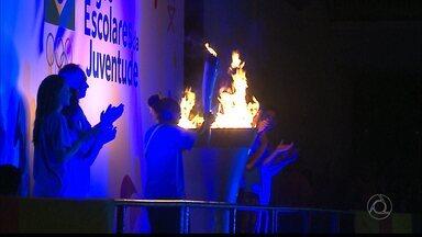Jogos Escolares da Juventude são abertos em João Pessoa - Rafaela Silva acendeu a pira olímpica na solenidade realizada no Ginásio da UFPB