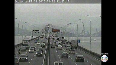 Mais de 700 mil carros devem passar pela Ponte Rio-Niterói no feriadão - A via liga a capital às cidades da Região do Lagos.