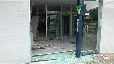 Bandidos explodem quatro agências bancárias em Terra Rica, no Noroeste - Cinco bancos estavam funcionando na cidade.