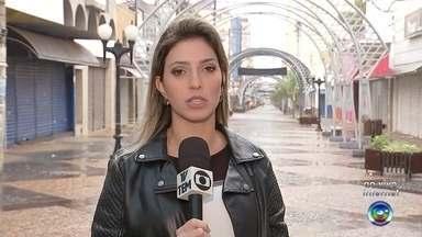 Confira quais serviços não funcionam no feriado da Proclamação da República - Fernanda Ubaid traz a lista de serviços que não funcionam no feriado da Proclamação da República, comemorado na terça-feira, 15 de novembro.