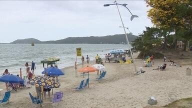 JA ouve turistas e moradores sobre as condições da infraestrutura das praias da capital - JA ouve turistas e moradores sobre as condições da infraestrutura das praias da capital