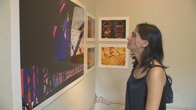 Exposição 'Fragmentos' entra em cartaz, em Manaus - Centro Cultural Palácio da Justiça recebe a mostra.
