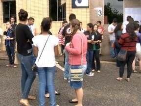 Mais de 3.500 estudantes prestam a primeira fase da Unesp - Vestibular foi realizado neste domingo (13).