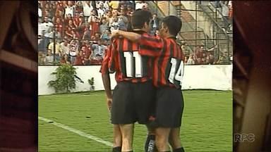 No Baú do Esporte, uma goleada do Furacão sobre o Sport - No Brasileirão de 1996, Oséas e Paulo Rink comandaram a vitória atleticana sobre os pernambucanos