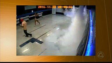 Casal suspeito de roubar envelopes de depósito bancários na PB são flagrados por câmeras - Eles foram presos em Campina Grande na segunda-feira (21) quando tentavam fugir de agência.