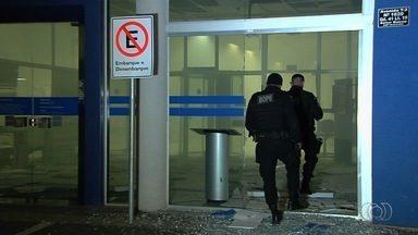Criminosos explodem agência bancária no Setor Bueno, em Goiânia - Ação ocorreu na madrugada desta terça-feira (22).