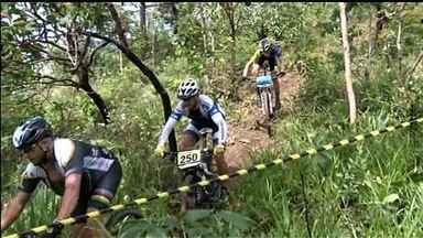 GP Goiás de mountain bike tem presença de atleta olímpica - Mais de 200 atletas divididos em 16 categorias participam de competição em Pirenópolis, com destaque para Raiza Goulão, que participou dos Jogos Olímpicos.