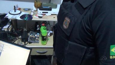 Homem é preso em flagrante no RS em operação da PF contra pedofilia - Foram encontradas fotos e vídeos de crianças no computador do suspeito.