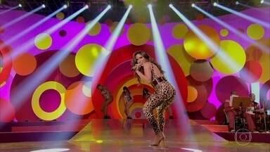 """Anitta canta """"Sim ou não"""" no palco do Esquenta! - Plateia se empolga com apresentação"""