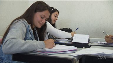 CIEE-PR também tem vagas para o Programa Menor Aprendiz - O CIEE-PR possui Cursos de Aprendizagem em Serviços Administrativos e Serviços Comerciais e Varejo.