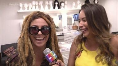 Giovanna Antonelli usa peruca dread em entrada ao vivo no 'Vídeo Show' - Atriz diz que adora mudar o visual. Giovanna Lancellotti ri da colega de elenco e sugere novo cabelo para Alice