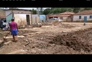 Em Nicolândia, moradores tentam retomar rotina após desastres da chuva - No total permanecem 127 pessoas desabrigadas, cujas casas foram completamente destruídas com o impacto das fortes chuvas.