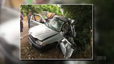 Acidentes graves causaram a morte de 7 pessoas nas estradas do PR no final de semana - Uma batida entre um carro e um caminhão deixou pai e dois filhos mortos em Ampére, no sudoeste do estado.