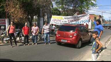 JPB2JP: Servidores de Santa Rita ocupam o prédio da Prefeitura - Querem o pagamento de salários atrasados.
