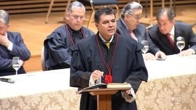 Antônio Sérgio Tonet toma posse como procurador-geral de Justuã de MG - Tonet tem 53 anos e vai ficar à frente do Ministério Público até 2016.