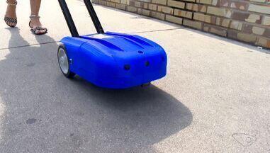 Cão guia robô é usado para auxiliar deficientes visuais, no ES - Robô fala e orienta as pessoas.