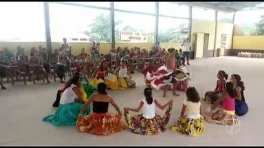Primeira entrega de cestas da Campanha Natal Sem Fome 2016 é realizada em Santarém - Foram entregues quarenta cestas, lanches e brinquedos para famílias da comunidade Tiningu no planalto santareno.