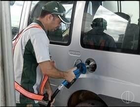 Aumento nos preços dos combustíveis deixa população insatisfeita - Valor pode chegar até 12 centavos de aumento por litro.