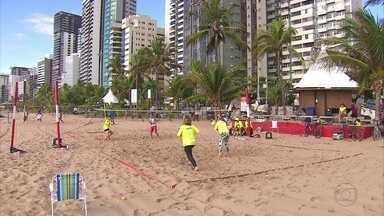 Para quem gosta de praia, a nova onda agora é o Beach Tennis - Para os amantes de praia, a nova onda agora é o Beach Tennis