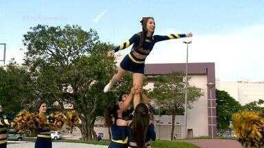 """Em Movimento: Conheça as cheerleaders capixabas - No quadro 'Você Em Movimento"""" mostramos que tem líderes de torcida espalhadas pelas faculdades do Estado."""