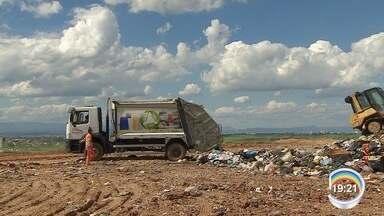 Jacareí investe em aterro para ter receita vinda do lixo - Aterro em uso está próximo do limite da capacidade.