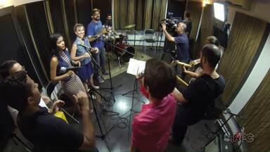 """Museu Histórico de Londrina recebe os últimos preparativos para o """"Som de Natal"""" - Show terá muita música e diversão no aniversário de Londrina."""