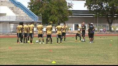 Botafogo-PB prioriza preparação física na pré-temporada - Carlos Gamarra comanda os treinos na Vila Olímpica Parahyba