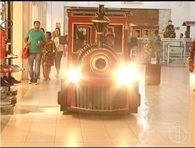 Shoppings de Montes Claros investem em ações para atrair consumidores no Natal - Decoração impecável é um dos atrativos.