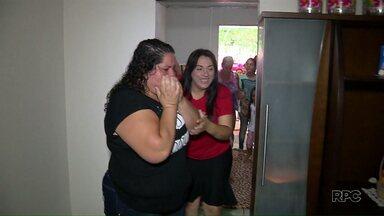 Voluntários reformam casa de mulher com 4 filhos e sem emprego fixo - Telhado da casa da Noeli estava quebrado desde a chuva de granizo.