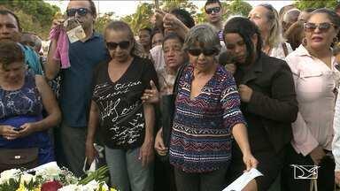 Corpo do deputado federal João Castelo é sepultado em São Luís - Corpo do deputado federal João Castelo é sepultado em São Luís