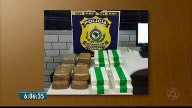 Dez quilos de cocaína e oito quilos de crack são apreendidos em Mamanguape - Droga estava na mala do carro em que dois jovens seguiam.