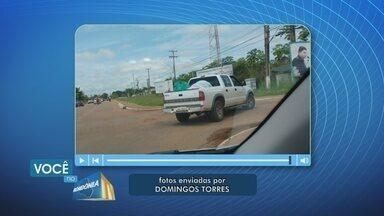 Telespectador denuncia transporte irregular de roupas do hospital Cosme e Damião - Roupas estavam sendo transportadas na carroceria de uma caminhonete.