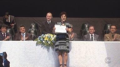 Em Lages, prefeito, vice e vereadores são diplomados - Em Lages, prefeito, vice e vereadores são diplomados