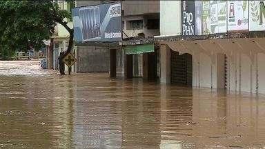 Chuva deixa 120 pessoas desalojadas em Castelo, ES - A chuva também interditou estradas no município.