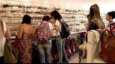 Movimento de natal aumenta em comércio de Colatina, ES - Os comerciantes acreditam que as vendas serão melhores neste ano.