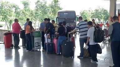 Procura por passagens de ônibus dobra em Corumbá - Em algumas cidades, mesmo com ônibus extras, os lugares estão acabando. Em Corumbá, o movimento já, praticamente, dobrou.