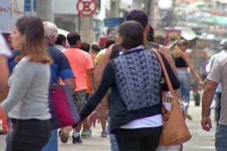 Preparativos para a ceia movimentam comércio de Mogi - Equipe do Diário TV foi às ruas logo cedo nesta véspera de Natal.