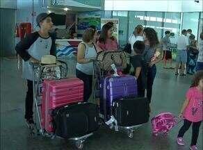 Aeroportos e rodoviárias lotam com as viagens para o Natal - Aeroportos e rodoviárias lotam com as viagens para o Natal