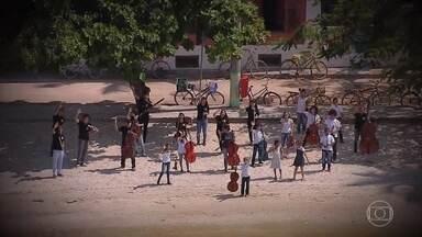Conheça a 'Orquestra jovem de Paquetá' - Descubra sua história e sua relação com o Djavan