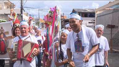 Folia de Reis é tradição no Sítio Cercado, em Curitiba - A folia vai até o dia 6 de janeiro.