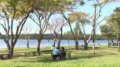 Prainha do Três Lagoas em Foz volta a receber visitantes - As reformas ainda não terminaram.