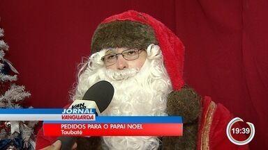 Papai Noel recebe pedidos de Natal em Taubaté - Dezembro é um mês de muito trabalho para o bom velhinho.