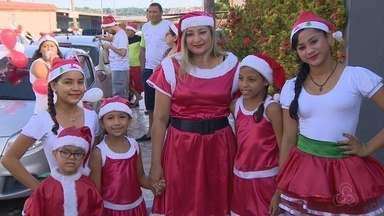 Grupo de amigos leva presentes a crianças carentes em Manaus - Ação é realizada há oito anos.