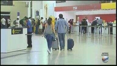 Saiba os cuidados ao embarcar nos aeroportos para a viagem de Reveillon - Movimento no Leite Lopes, em Ribeirão Preto (SP), é pequeno nesta segunda-feira (26).
