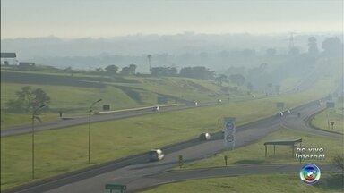 Estradas da região de Itapetininga devem ter movimento intenso - As estradas da região de Itapetininga devem registrar movimento intenso nesta segunda-feira, por conta da volta do Natal. Confira.