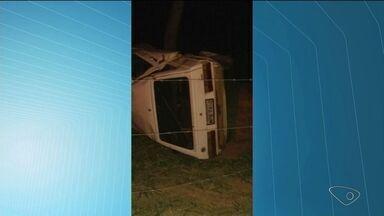 Acidente deixa duas pessoas mortas em Governador Lindenberg, ES - A colisão foi entre um carro e uma moto.