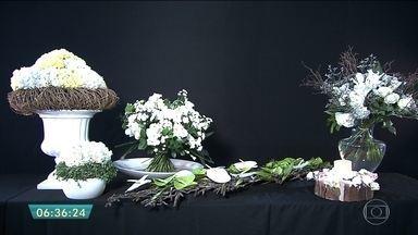 Aprenda a fazer um arranjo de flores para a festa de Réveillon - Último quadro verde do ano te ensina a montar um belo arranjo para receber 2017 em alto estilo.